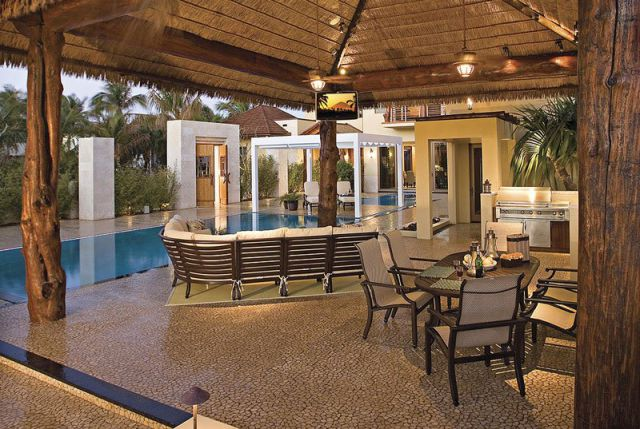 a_seafront_mansion_with_an_awesome_water_themed_interior_640_09