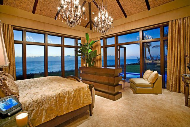 a_seafront_mansion_with_an_awesome_water_themed_interior_640_11