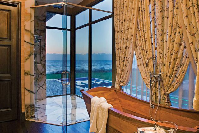 a_seafront_mansion_with_an_awesome_water_themed_interior_640_12