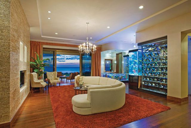 a_seafront_mansion_with_an_awesome_water_themed_interior_640_14