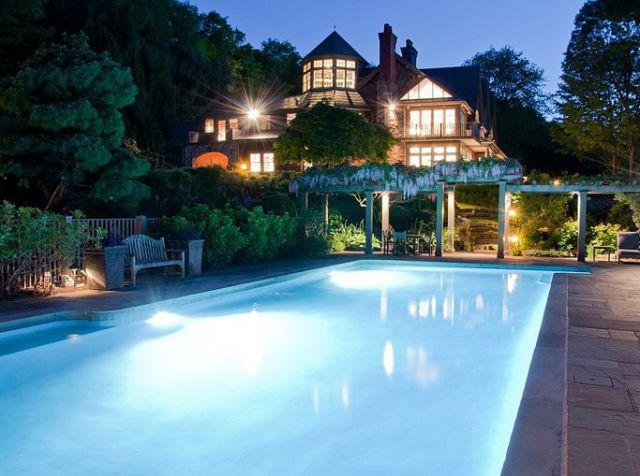 bruce_williss_new_luxury_mansion_640_03