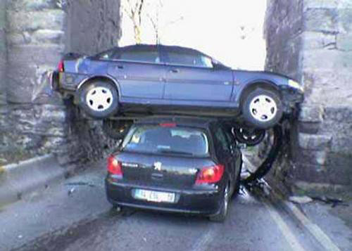car-accidents-jenga-cars