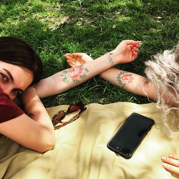 punto-en-cruz-tatuajes-eva-krbdk-arte-daft-turquía-4