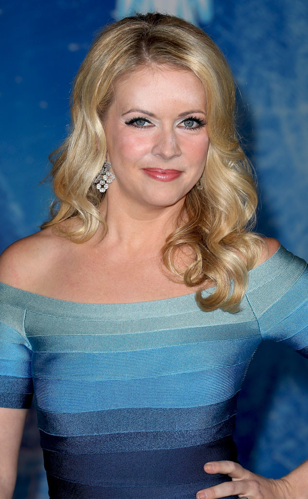 rs_634x1024-131120140509-634.Melissa-Joan-Hart-Face-Powder.jl.112013_copy
