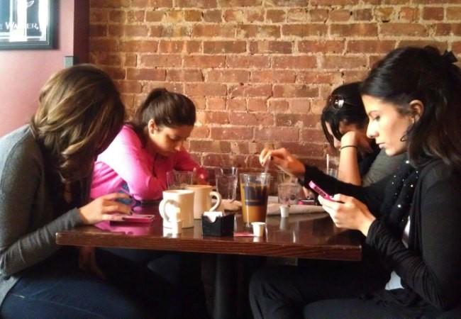 smartphones-650x450