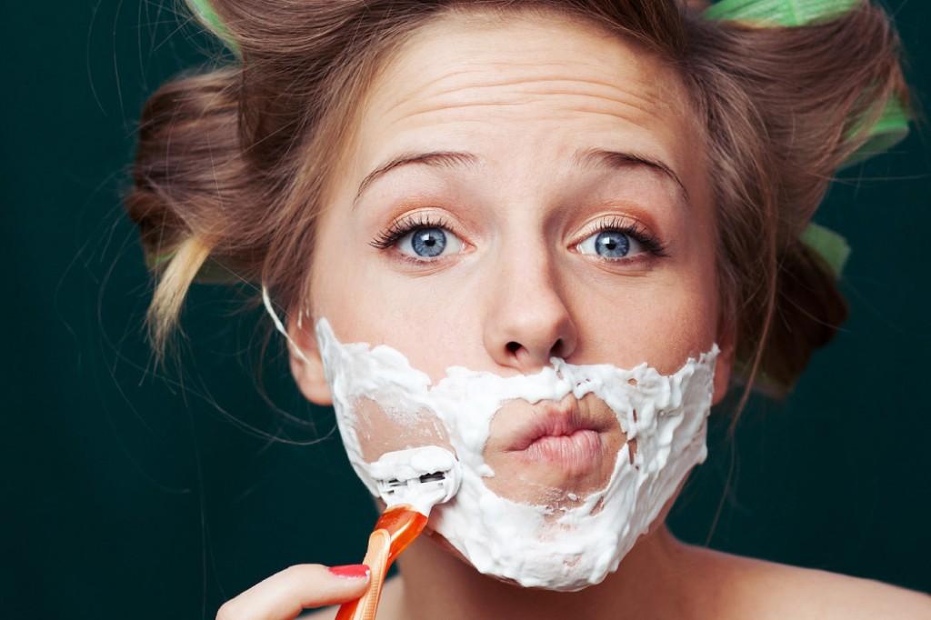 woman-shaving-face1