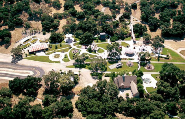 would_you_pay_100_million_to_live_in_neverland_640_10