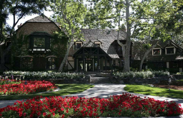 would_you_pay_100_million_to_live_in_neverland_640_12