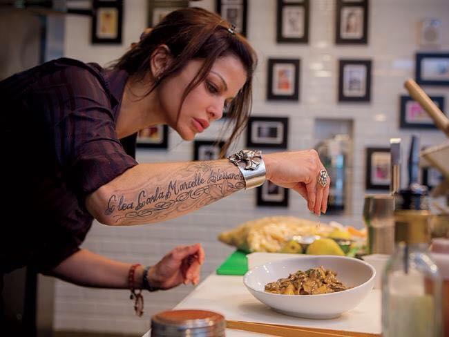 46 chef que demuestran que los tatuajes y la gastronom a - Los utensilios del chef ...