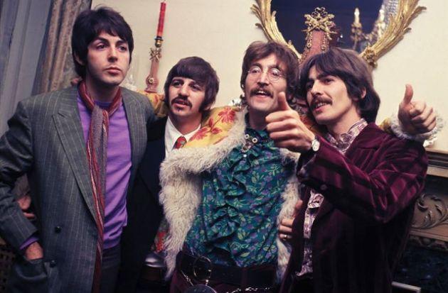 7-supuestas-pruebas-de-que-Paul-McCartney-esta-muerto-3