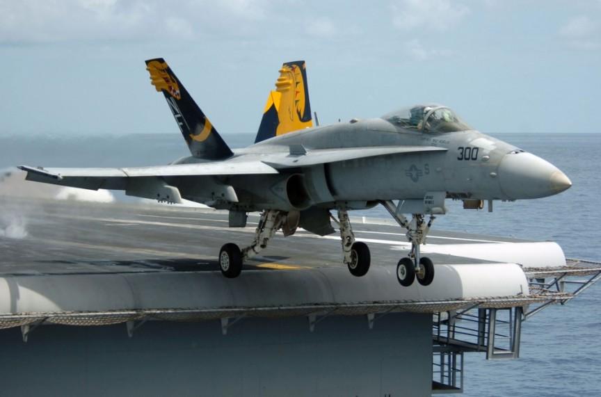 Navy-FA-18A-Hornet-–-10.05-millones-de-dólares