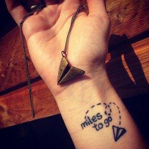 Tatuaje-Avión-Frase