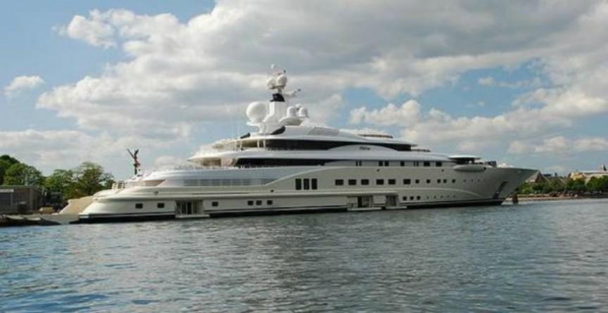 Yate-gigante-168-millones-de-dólares