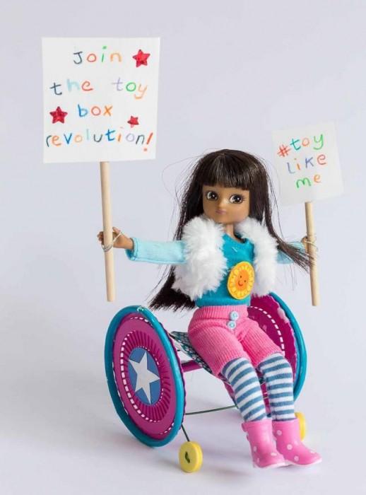 muñecas-con-discapacidad-1-518x700