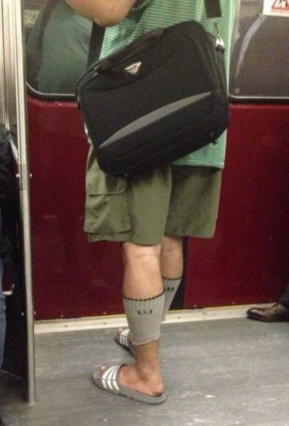 people_who_take_fashions_donts_to_the_next_level_640_45