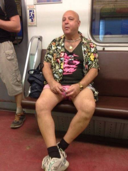 people_who_take_fashions_donts_to_the_next_level_640_47