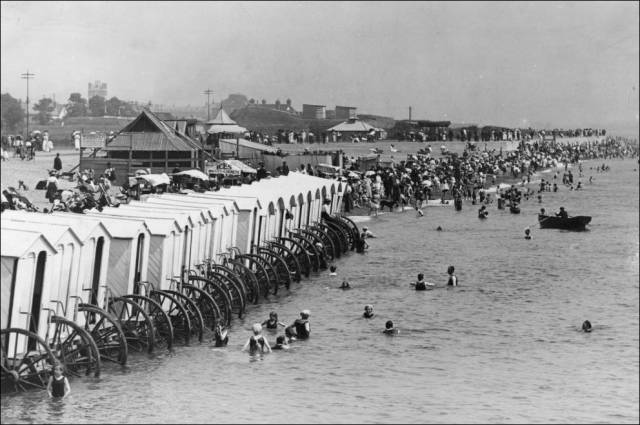 what_a_day_on_the_beach_looked_like_100_years_ago_640_02