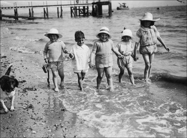 what_a_day_on_the_beach_looked_like_100_years_ago_640_29