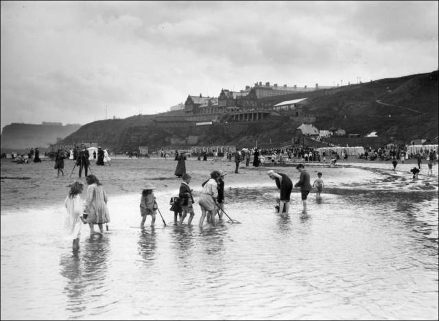 what_a_day_on_the_beach_looked_like_100_years_ago_640_34