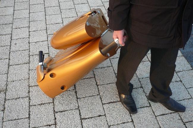 169105-R3L8T8D-650-moveo-lo-scooter-elettrico-pieghevole-da-antro-p1060242