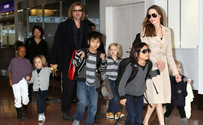 69355-R3L8T8D-650-19C4752B000005DC-3200488-Branelina_s_brood_Brad_Pitt_and_Angelina_Jolie_s_six_kids_have_s-a-131_1439779390663