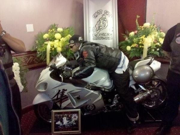 9-funerales-que-no-podras-creer_1