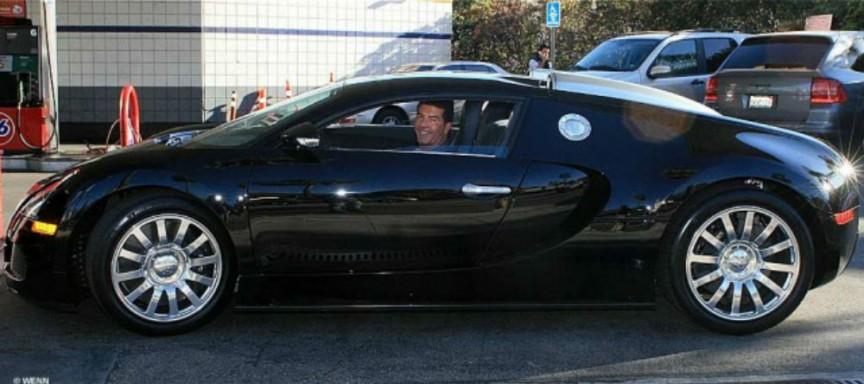 Simon-Cowell-–-Bugatti-Veyron-–-1.7-millones-de-dólares