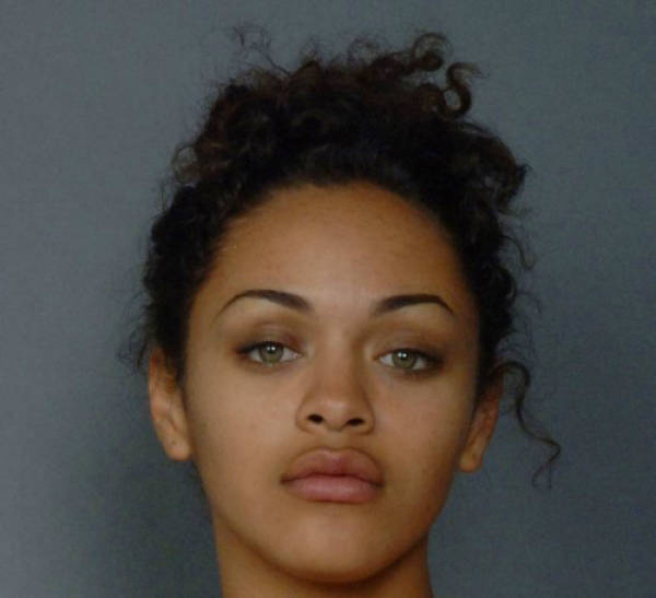 cute_girls_get_arrested_and_they_have_the_sexy_mugshots_to_prove_it_640_36