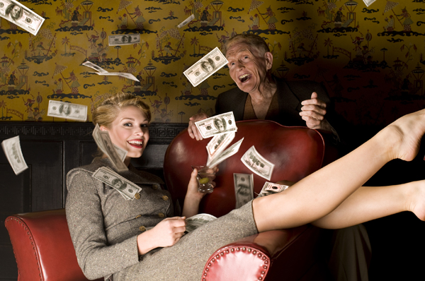 mujeres-nadando-dinero
