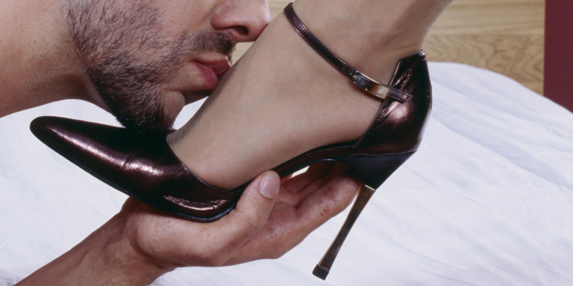 Раб под ногами госпожи видео #3
