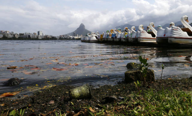 the_sad_sight_of_polluted_beaches_in_rio_de_janeiro_640_05