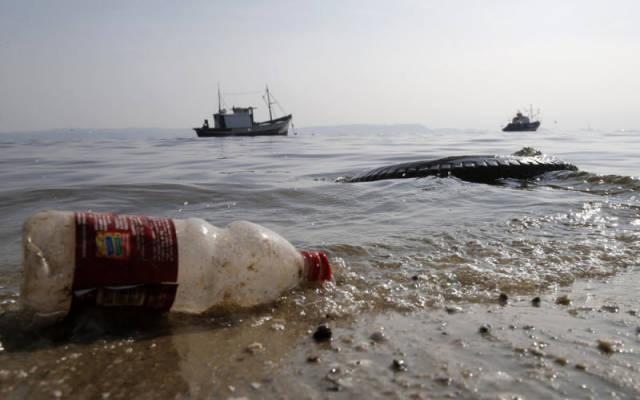 the_sad_sight_of_polluted_beaches_in_rio_de_janeiro_640_08