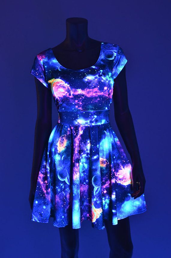vestido-que-brilla-en-la-oscuridad
