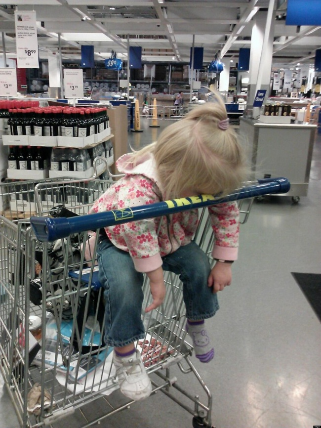 541105-R3L8T8D-650-o-KID-SLEEPING-AT-IKEA-facebook