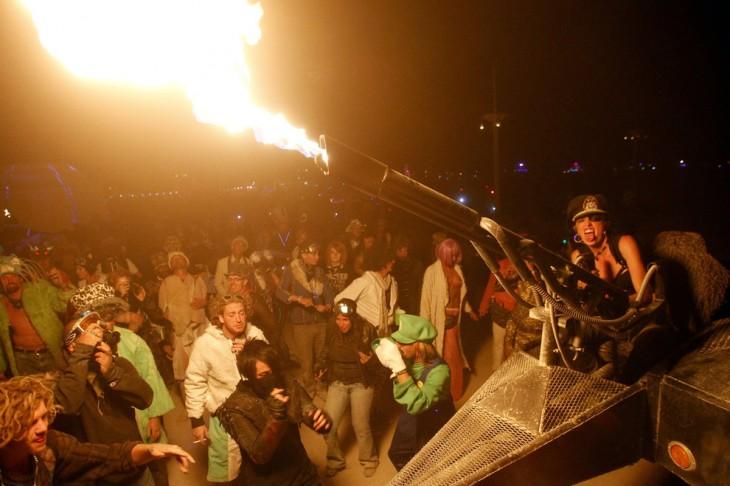 Fotografías-más-locas-del-Burning-Man-11-730x486