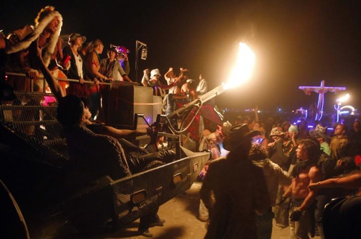 Fotografías-más-locas-del-Burning-Man-23-730x484