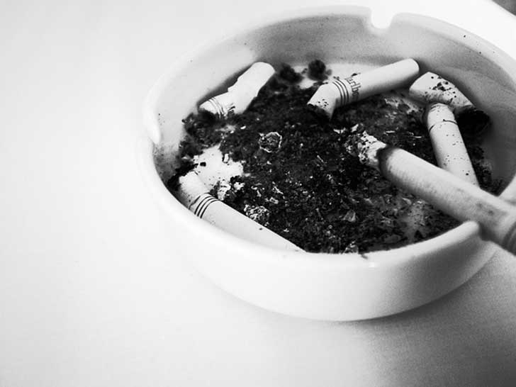 ashtray-776740_640