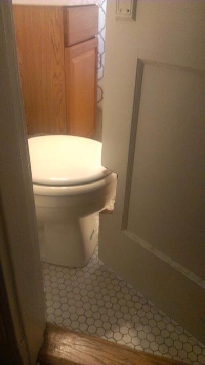 awkward-bathroom-cut-door