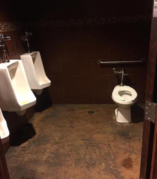 awkward-bathroom-toliet-1