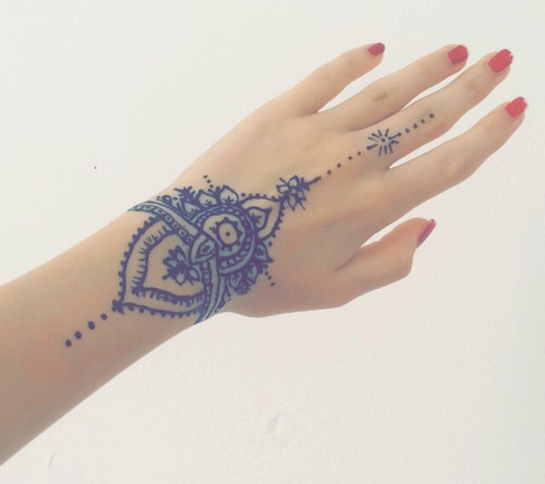 manos-tatuaje-henna