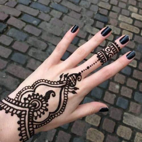 tatuaje-de-mano-mandala
