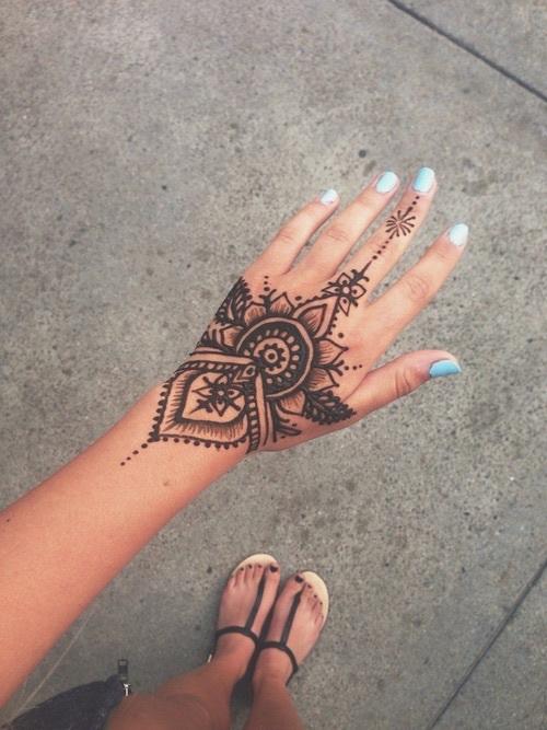 tatuaje-en-manos
