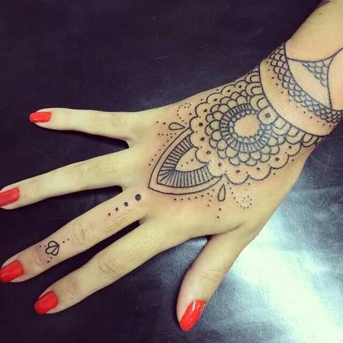 tatuaje-mandala-mujer