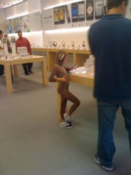 the_craziest_things_that_have_ever_happened_in_the_apple_store_640_04