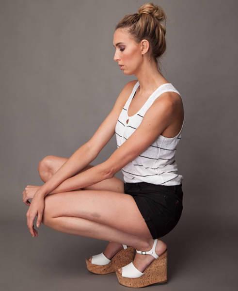 this_leggy_model_has_legs_that_go_on_for_days_640_11