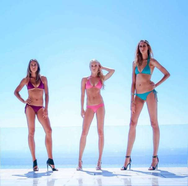 this_leggy_model_has_legs_that_go_on_for_days_640_14