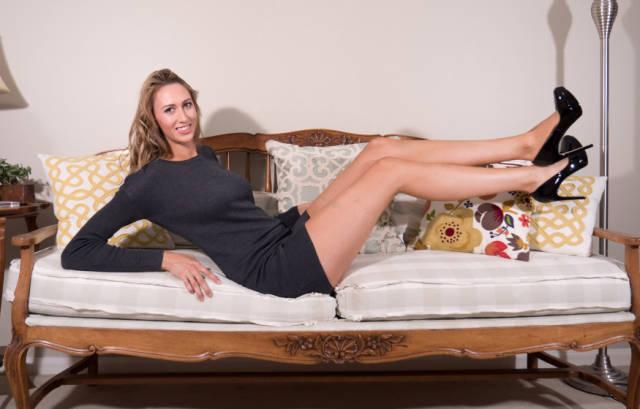this_leggy_model_has_legs_that_go_on_for_days_640_31