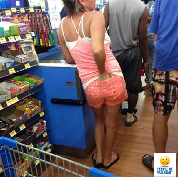 you_can_always_trust_walmart_to_bring_out_the_classier_side_of_people_640_02
