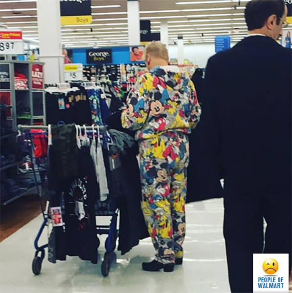 you_can_always_trust_walmart_to_bring_out_the_classier_side_of_people_640_15