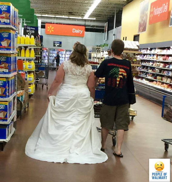 you_can_always_trust_walmart_to_bring_out_the_classier_side_of_people_640_20